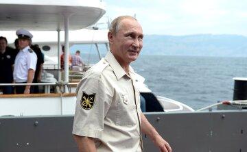 Владимир Путин на корабле