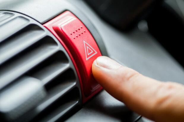 Жести водіїв на дорозі: мова автомобілістів для новачків