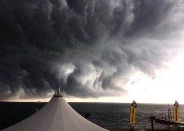 """В Одессе объявили штормовое предупреждение: """"До конца суток..."""""""