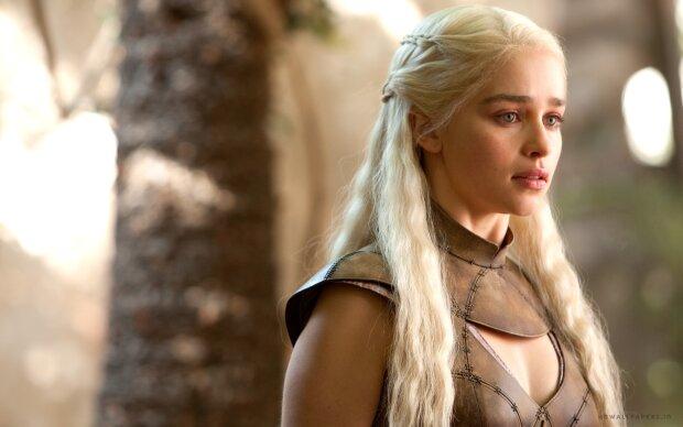 Як виглядають актори улюблених серіалів в житті: «ніколи не впізнаєте …»