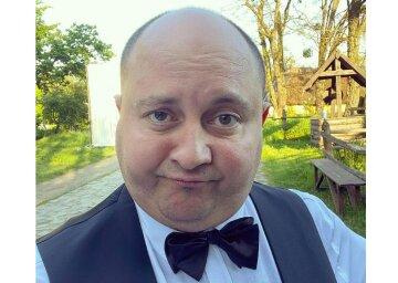 Друг Кошового Юрій Ткач приголомшив виглядом в трусах і піджаку: «як вам прикид?»