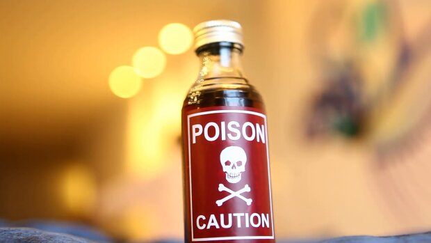 poison-bottle-in-the-house_ekvaed2zx__F0000