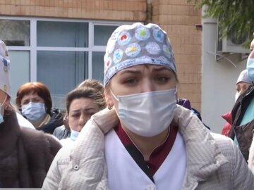 """""""У нас трупи серед живих"""": лікарі забили на сполох через коронавірус і бездіяльність начальства в Житомирі"""