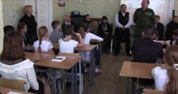 """""""Щоб Україною тут і не пахло!"""": масова зачистка в Донецьку, по школах і університетах почалися рейди"""