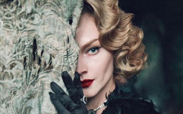 """Блондинка з фільмів """"Квартал 95"""" в непристойному вигляді сіла за кермо: """"Як кадр із """"Міста гріхів"""""""