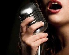 певица-микрофон