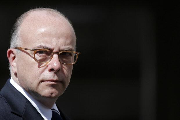 министр внутренних дел Франции Бернар Казнев