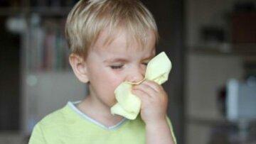 """Комаровский рассказал, в чем главная опасность чиханья у детей: """"Идеальные условия для..."""""""