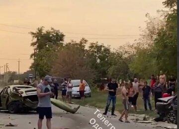 Люди розбилися в масштабній ДТП на одеській дорозі: з'явилися кадри події