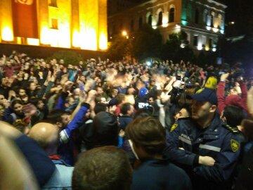 Тбилиси, Грузия, штурм, парламент, митинг