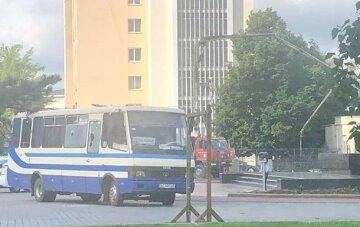 "Захват автобуса в Луцке, заложница срочно вышла на связь: ""Начала плакать, а потом..."""