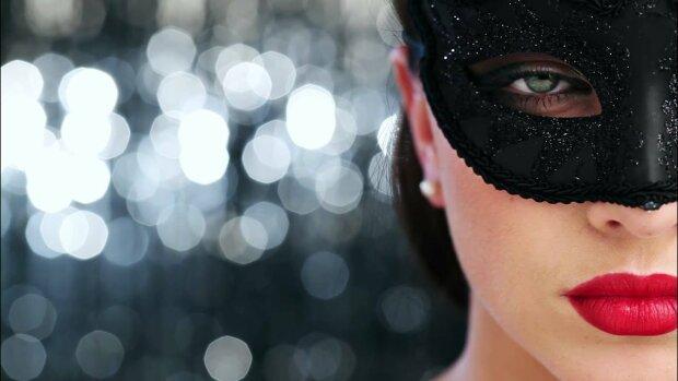 знаменитость, звезда, артистка, незнакомка, девушка, женщина, в маске, маскарад, красотка, макияж