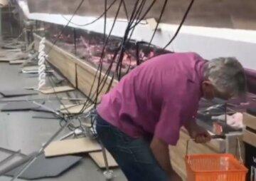Стеля впала на голови людей в українському супермаркеті: що відомо про постраждалих