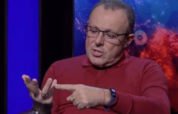 """Спивак высмеял """"слуг"""" из-за поездки на Донбасс: """"С ночевкой, под гитару, как в лагере"""""""