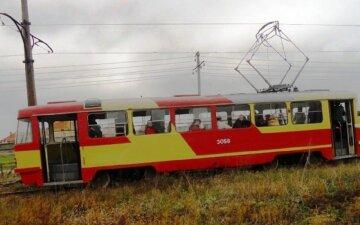 В Одессе трамвай с людьми сошел с рельсов: первые подробности и кадры ЧП