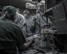 врачи, медики