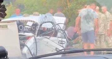 Машина в хлам, много людей в больнице: кадры аварии на одесской трассе