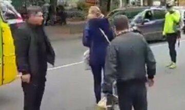 На Одесчине щенки попали в бетонную трубу, кадры: жители срочно вызвали спасателей