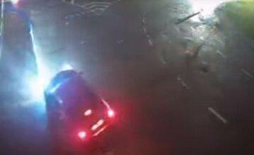 Пьяная 18-летняя украинка наделала беды за рулем: момент страшной аварии попал на видео