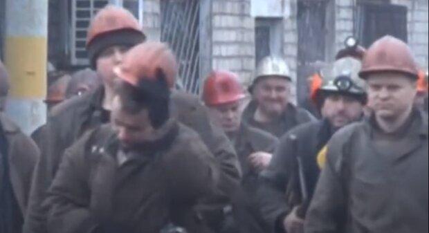 """Безробітних масово вивозять з Донбасу в РФ, окупанти не залишили людям вибору: """"Повністю знищили..."""""""