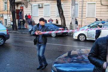Неадекват без одежды устроил переполох на улицах Одессы: видео только для взрослых