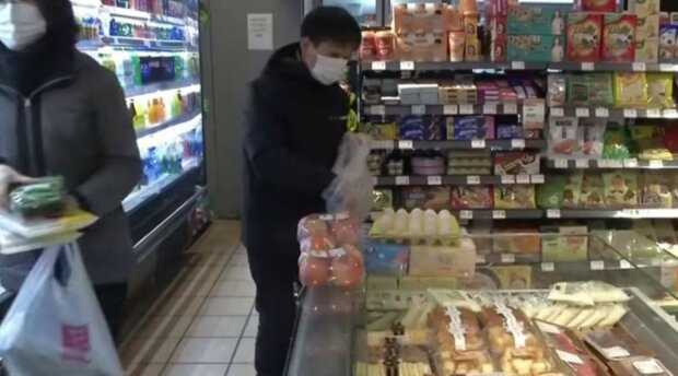 коронавирус, магазин, продукты, люди в масках
