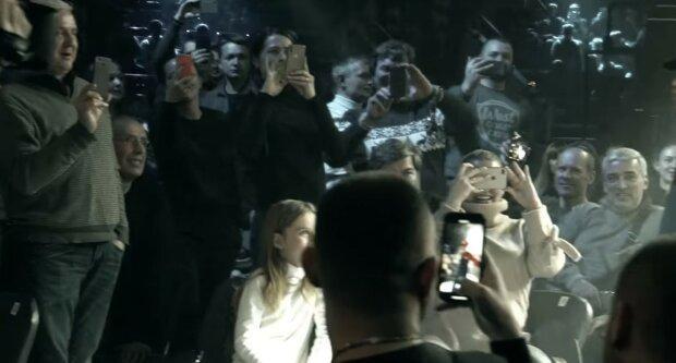 """Самые феноменальные выходы Беринчика в ринг, видео: """"от кандалов до шароваров"""""""