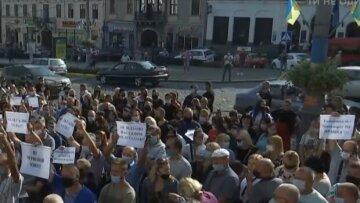 Влада Чернівців наплювала на рішення Кабміну: до чого призвів карантинний бунт