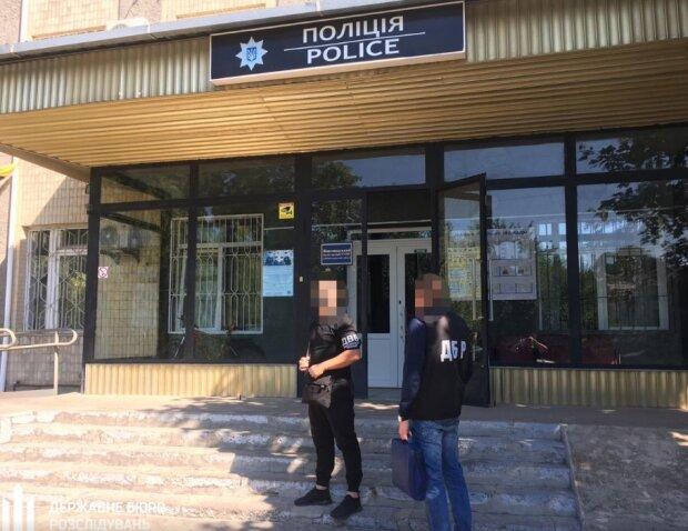 """Под Днепром полицейские жестоко избили парня, чтобы """"выбить"""" показания: подробности беспредела"""