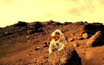 Space_Life_on_Mars_030343_