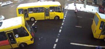 В Одессе маршрутки с пассажирами попали в ДТП: момент удара зафиксировали на видео