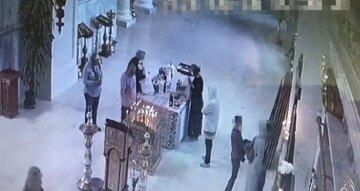 """Спритна кишенькова злодійка завелася в Одесі, відео: """"грабує в церквах, лікарнях і магазинах"""""""