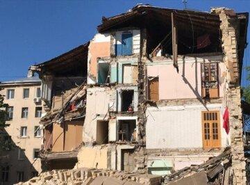 """В Одесі вирішили долю постраждалих після обвалення будинку, відео: """"Погодилися не всі"""""""