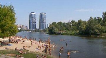 """""""Не очень радостная ситуация"""": украинцев призывают воздержаться от купания в Днепре, детали"""