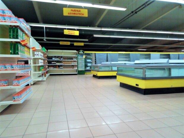 супермаркет, пустые полки