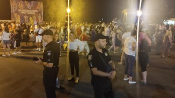 Під час масових гулянь в Одесі зник 6-річний хлопчик: батьки випустили з виду в парку