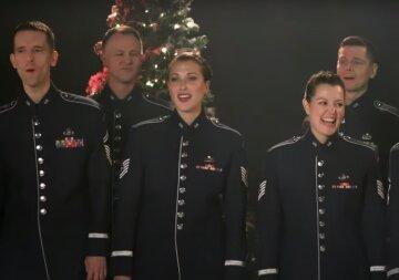 """Военный хор США поздравил украинцев с праздниками и спел """"Щедрик"""", видео: """"Мурашки по телу пробежали"""""""