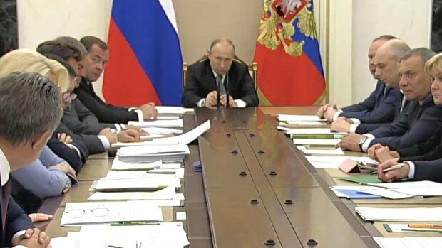 """Кремль хоче перехопити ініціативу на Донбасі, зроблено заяву: """"вихід з Мінська і..."""""""
