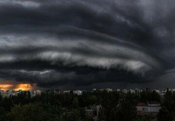 """""""Міць стихії вражає"""": українці відобразили унікальне явище в небі, кадри"""