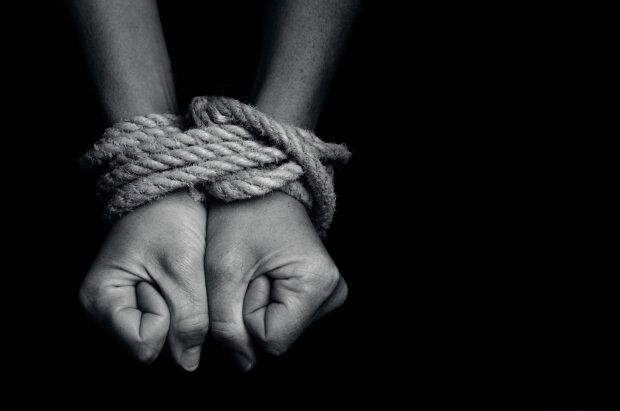 торговля людьми рабство