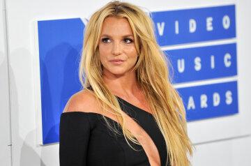 Britney-Spears-mtv-vmas-04-billboard-white-carpet-2016-bb-1548