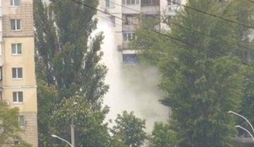 """Вулиці Києва залило окропом, відео масштабної аварії: """"Ось куди гаряча вода поділася"""""""