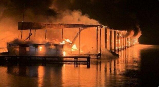 Люди сгорели заживо: мощный взрыв прогремел на станции, кадры огненного ада