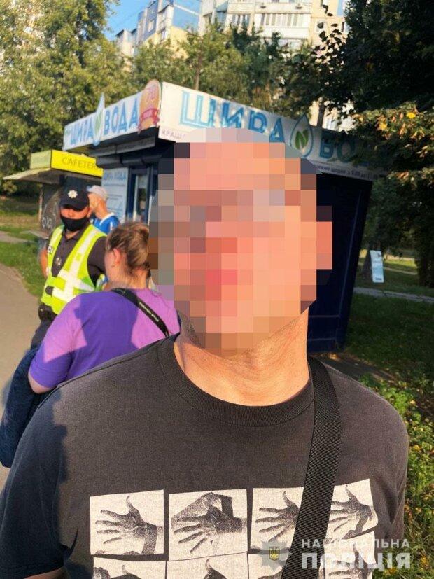Неадекват открыл огонь в Киеве, срочно съехались патрульные: кадры с места событий