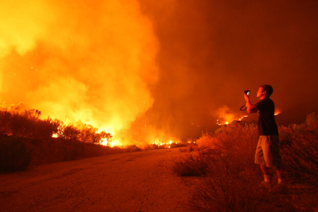 Santa Ana Winds And Hot Conditions Stoke Wildfire In Ventura County?