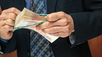 Каждый россиянин задолжал миру две тысячи долларов