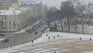 """Негода паралізувала Київ, городян просять залишатися вдома, кадри: """"Обмеження діятиме до..."""""""
