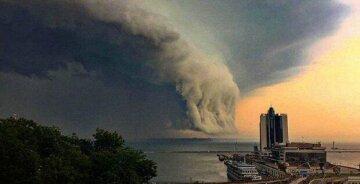 """Новий циклон мчить до Одеси, погода різко зміниться: """"дощ, шквальний вітер і..."""""""