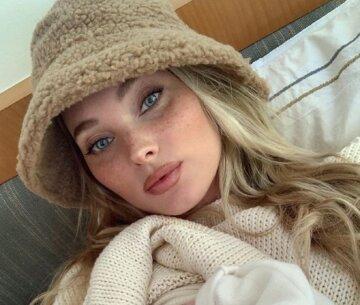 """Эльза Хоск из Victoria's Secret восхитила пляжными снимками с дочерью: """"Очень красивая малышка"""""""