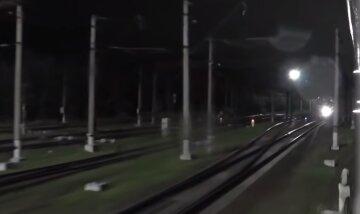 Под Днепром возле железной дороги бросили младенца: ребенок лежал в полиэтиленовом пакете